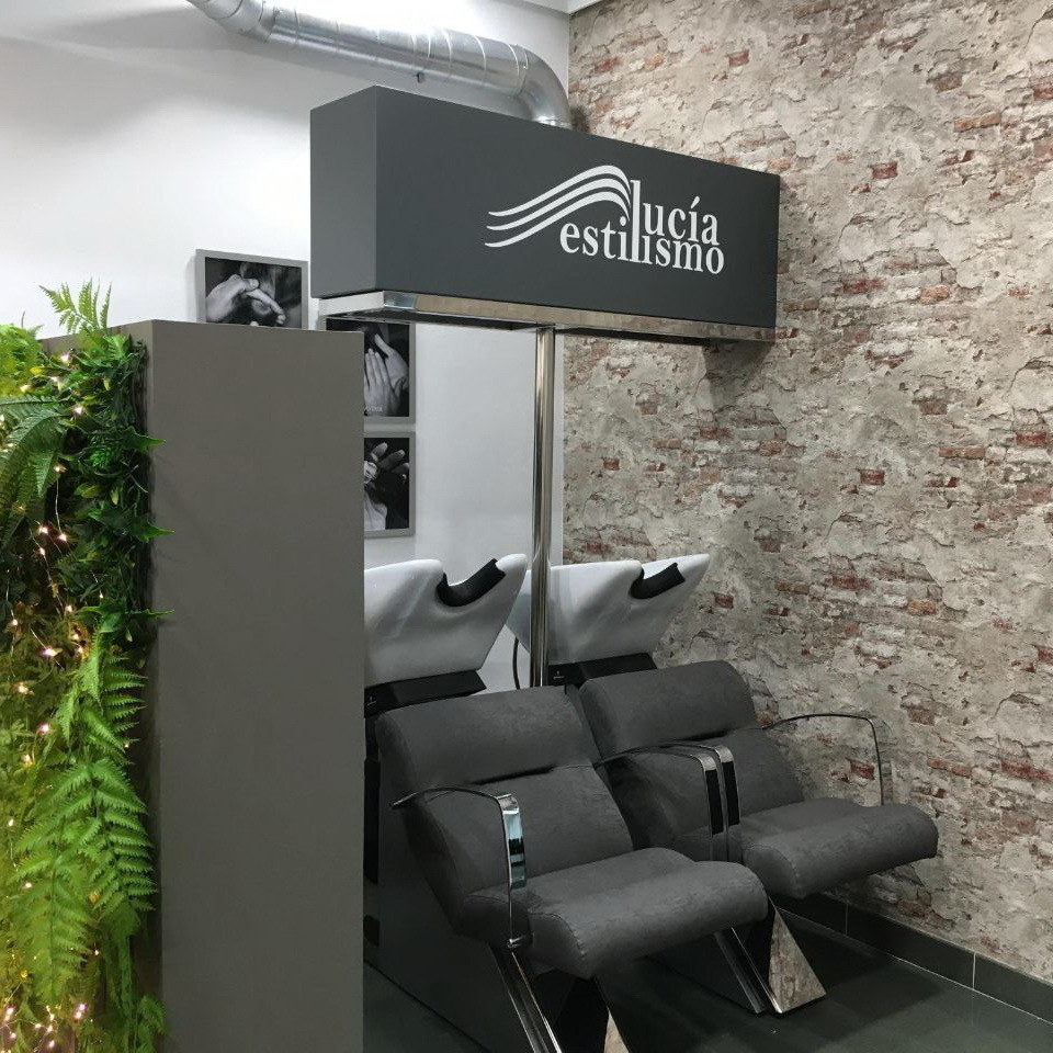 Instalaciones de Lucia Estilismo en Pola De Laviana zona de lavacabezas ahora con un nuevo diseño