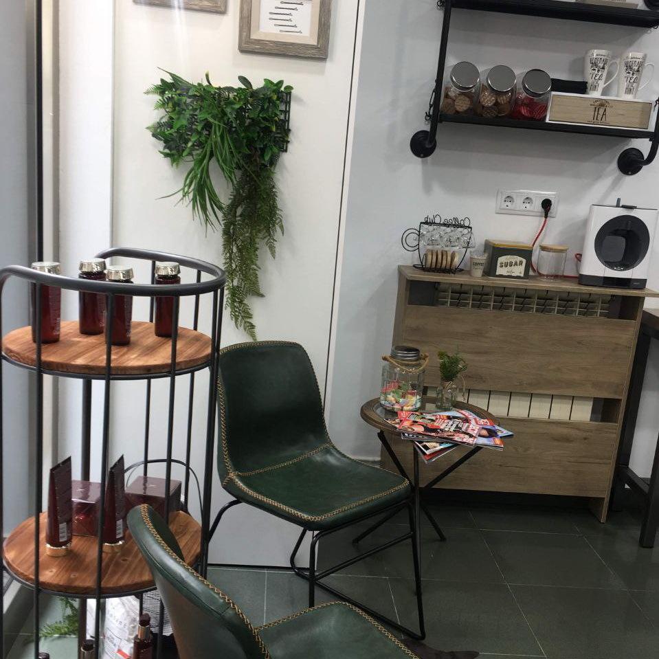 Instalaciones de Lucia Estilismo en Pola De Laviana, nuevo diseño moderno y confortable donde nuestros clientes pueden relajarse.